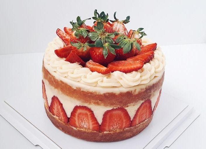 торт клубничный А 710